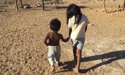 Niños indígenas wayuu en riesgo de muerte y desnutrición