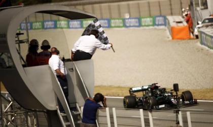 Gracias a este triunfo, el número 88 en su total y el cuarto esta temporada, Lewis Hamilton se convirtió en el piloto con más podios en la historia de la Fórmula Uno con 156.