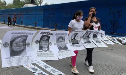 Mujeres y policías chocan en Ciudad de México en marcha contra el machismo