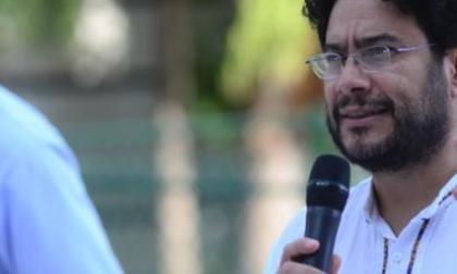 Iván Cepeda denuncia seguimientos de dos sujetos y un vehículo