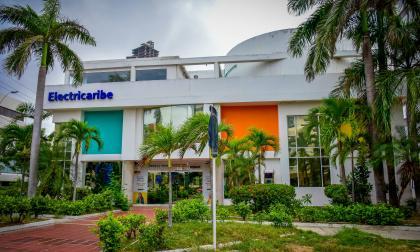 Fachada de las oficinas de Electricaribe ubicadas en el norte de Barranquilla.