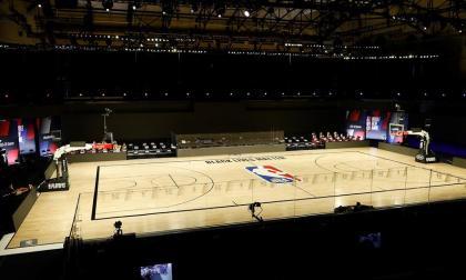 Jugadores de la NBA continuarán con los playoffs tras protesta