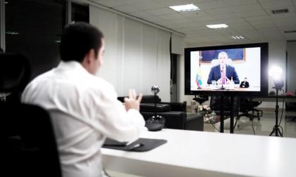 """El gobernador Vicente Blel durante su participación en el informativo """"Prevención y Acción"""" que lidera el presidente Iván Duque."""