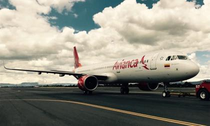 Senadores piden debate de control político por crédito para Avianca