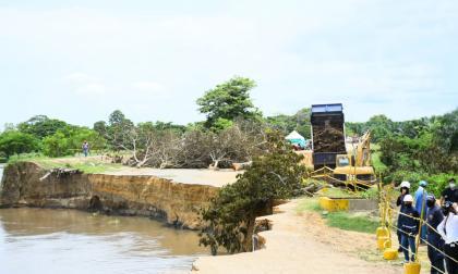 Dragado en 'Isla del Tamarindo' para reducir erosión en Salamina
