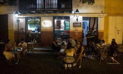 Tímidamente la vida nocturna regresa a Cartagena