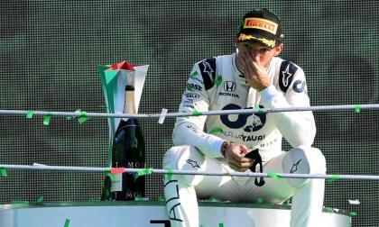 La emoción del francés Pierre Gasly en el podio del Gran Premio de Italia.