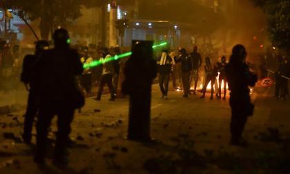 Colombia vive segunda noche de protestas violentas contra brutalidad policial