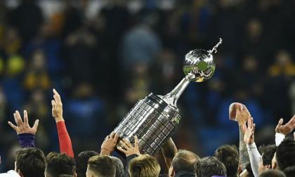 El trofeo de la Copa Libertadores de América.