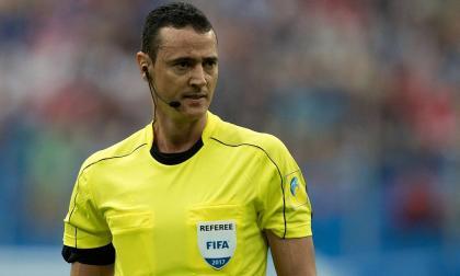 El árbitro colombiano pitará el duelo que definirá al líder del Grupo A.