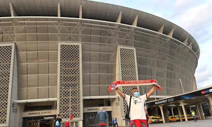 Miles de aficionados retan el coronavirus en la final de la Supercopa