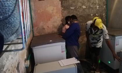 Dotan a pescadores de Puebloviejo con 18 refrigeradores solares