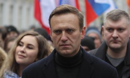 Navalni acusa a Putin de su envenenamiento y confirma que regresará a Rusia