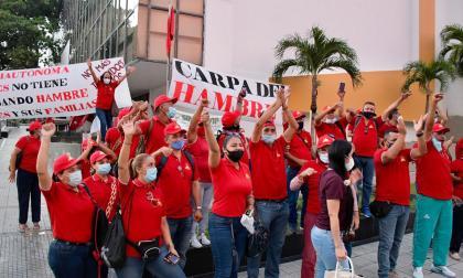 En video   Sindicato de la UAC levanta 'carpa del hambre'