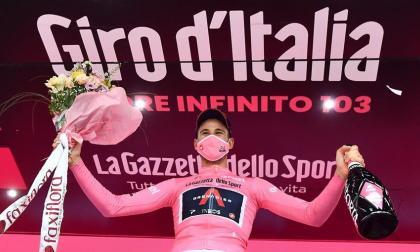 Filippo Ganna se impone en contrarreloj y es el primer líder del Giro