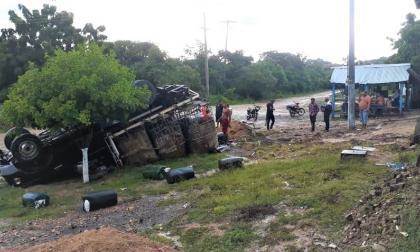 Se volteó en Monguí camión con ACPM que fue perseguido por militares