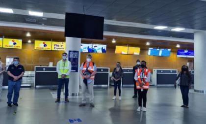 Refuerzan control en aerolíneas para evitar ingreso de Covid-19