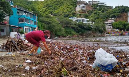En video | La bahía de Taganga se convirtió en un basurero