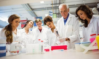 Retorno progresivo a laboratorios prácticos