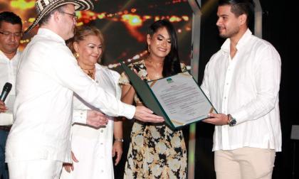 Masivo reconocimiento a Inis Amador en el marco del Encuentro de Bandas