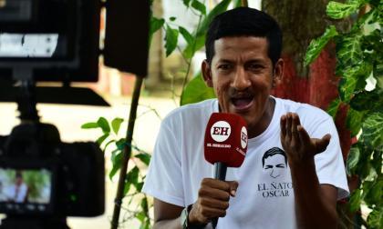 Estilh Ramos no sólo se caracteriza por su carisma, sino también por su sentido social. Es toda una celebridad en su municipio.