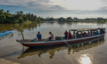 Viaje por el comercio de la Intendencia Fluvial
