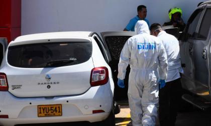 Agentes de la Sijín durante el levantamiento del cuerpo de Hugo Enrique Gonzálaz Rico, en enero pasado.