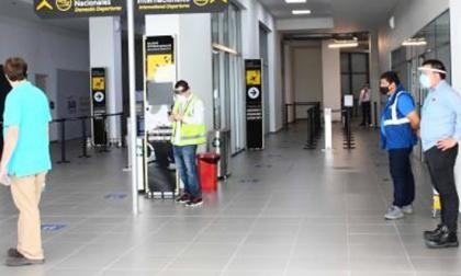 Colombia estudia restricciones a ciudadanos de España y otros seis países