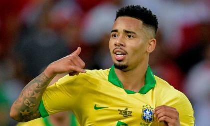 Gabriel Jesús, delantero del Manchester City, comandará el ataque de Brasil.