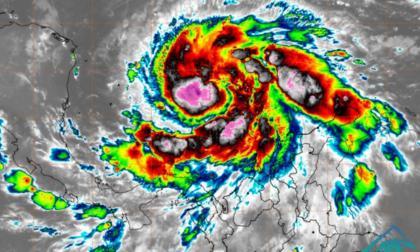 Huracán Iota alcanza la categoría 2