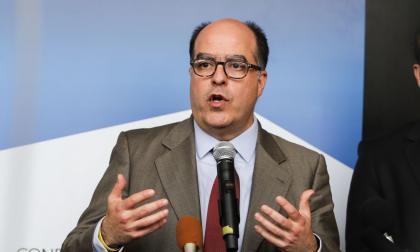 La oposición denuncia el enriquecimiento de empresas cubanas en Venezuela