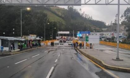 Frontera de Ecuador con Colombia se mantendrá cerrada hasta fin de año