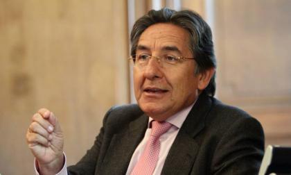 Oposición pide a España no aceptar a Néstor Humberto Martínez como embajador
