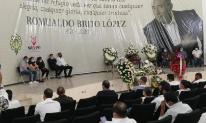 En video | En sus honras fúnebres, Romualdo Brito recibe homenaje