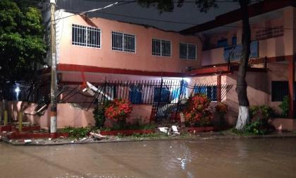 Rayo cayó sobre escuela en Santa Marta