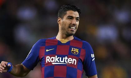 El delantero se disculpó por la polémica foto que ocasionó una multa a su selección.