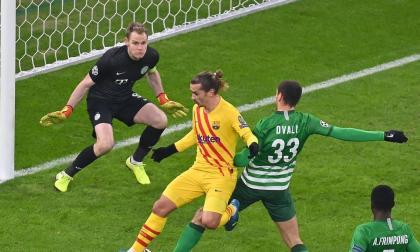 Barcelona sigue inmaculado en Europa y se jugará el liderato con Juventus