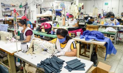 Trabajadoras de una empresa del sector de confecciones de la Costa Caribe.