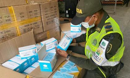 Policía Fiscal y Aduanera aprehende 100 mil unidades de tapabocas