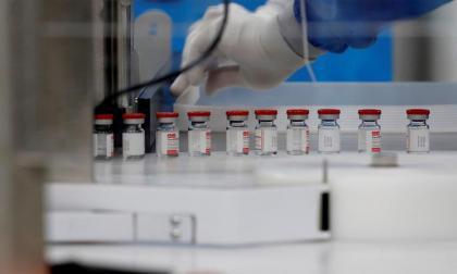 Critican que mayoría de colombianos vayan a ser vacunados hasta 2022
