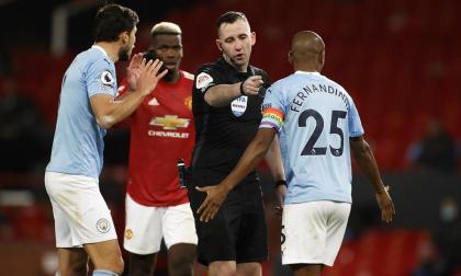 El duelo entre los equipos de Manchester estuvo marcado por las pocas opciones de gol.