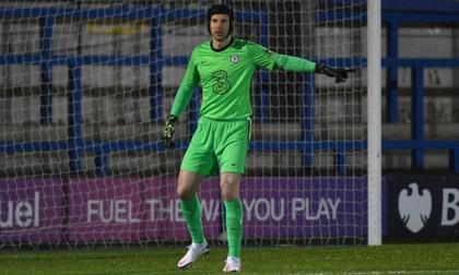 Petr Cech sale del retiro para jugar en el Chelsea sub23
