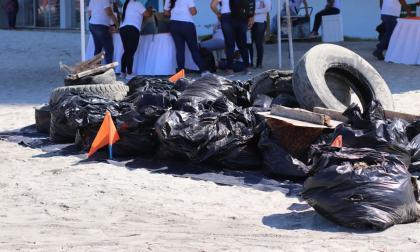 En playatón, samarios recogieron más de 20 toneladas de material inservible
