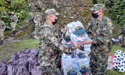 Soldados narran cómo pasarán la Navidad en la Sierra Nevada