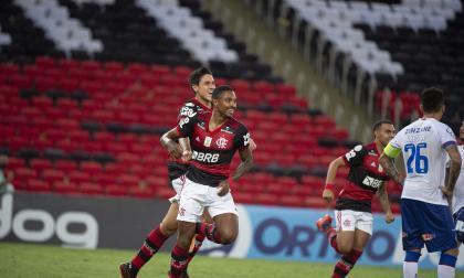 Flamengo, sin Gabigol, buscará recortar la distancia con el líder Sao Paulo