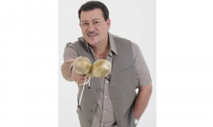 Tito Rojas se convirtió en uno de los referentes de la salsa romántica. Allegados y amantes del género manifestaron su tristeza tras la partida de 'El Gallo'.