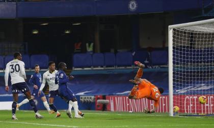 Chelsea iguala con el Aston Villa y sigue fuera de puestos de Europa