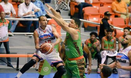 Adris De León cuenta con experiencia en el baloncesto de Europa.