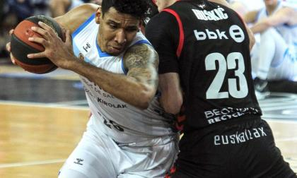 El colombiano sufrió una lesión en el Bilbao Arena de Miribilla.