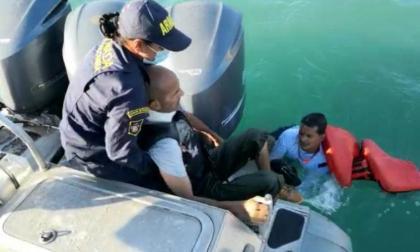 Guardacostas de Santa Marta rescatan a hombre que cayó por un acantilado